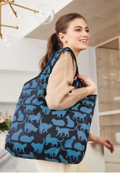Lovely Moments Funny Cats Foldable Bag blue