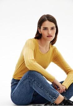 Джемпер цвет светложелтый